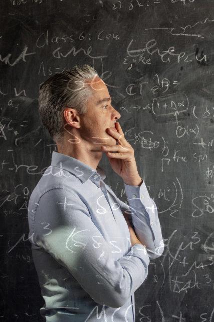 Dr. Ivo van Vulpen. Deeltjesfysicus bij het nationaal instituut van subatomaire fysica( NIKHEF)