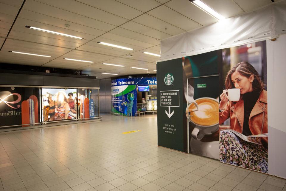 Nederland, Schiphol, 17-03-2020 Schiphol Plaza
